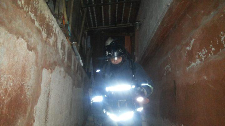 С дежурными караулами ПЧ-11 г. Мурманска прошли ночные  занятия по тушению условного пожара