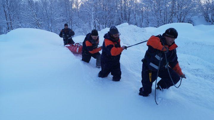 Со спасателями АСС провели занятия по ПСР в зимних условиях