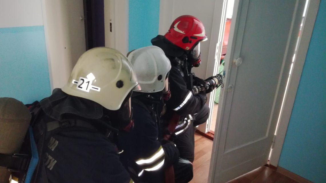 С работниками ПЧ-21 п.г.т. Мурмаши прошло пожарно-тактическое занятие