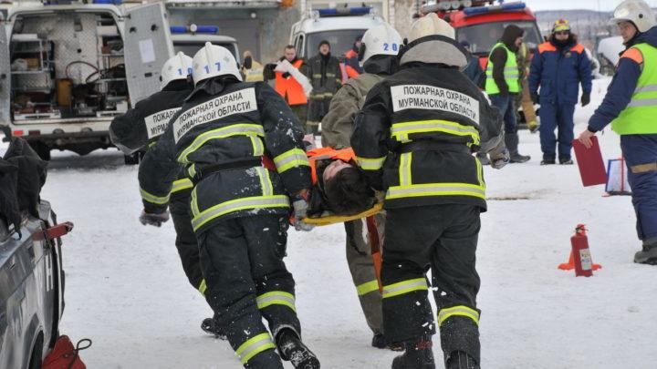 В Мурманске прошли открытые соревнования на звание «Лучшая команда Мурманской области по проведению аварийно-спасательных работ при ликвидации последствий ДТП»