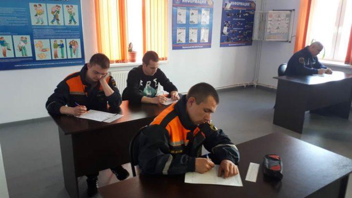 Прошла аттестационная проверка спасателей аварийно-спасательных служб и аварийно-спасательных формирований Мурманской области