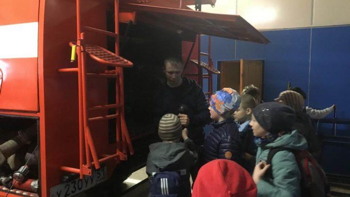 Работники ПЧ-11 г. Мурманска провели экскурсию для учащихся  школы СОШ № 5