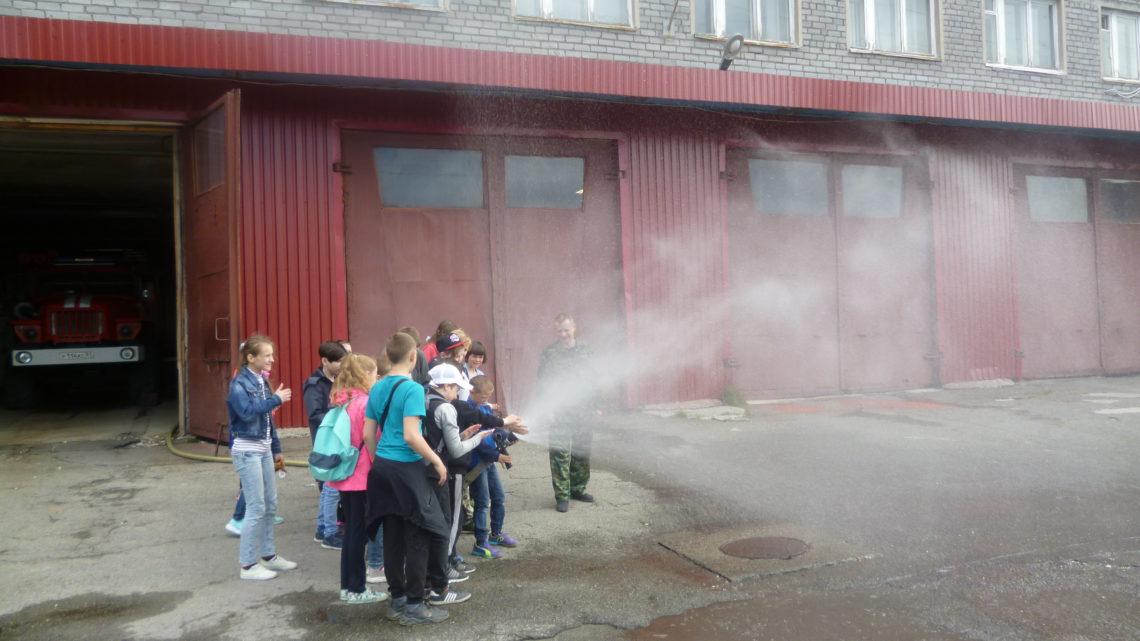 В ПЧ-30 г. Кировск прошла экскурсия для воспитанников оздоровительного лагеря