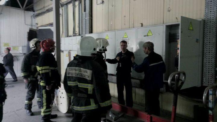 С дежурными караулами 11 пожарной части по охране г. Мурманска прошли практические занятия по пожарно-тактической подготовке