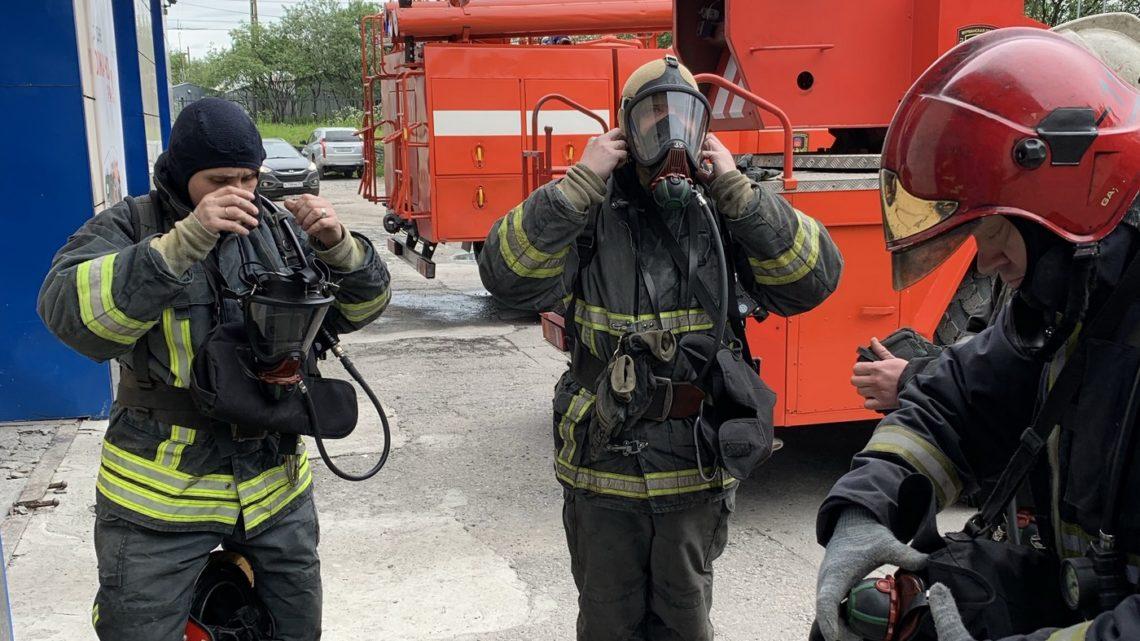 В ПЧ-11 г. Мурманск прошли тренировочные занятия по подготовке газодымозащитников